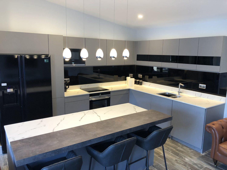 kitchen, Rational, kitchen, sink, tap, blanc, breakfastbar, dekton
